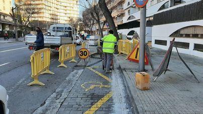 Inician la renovación de las aceras en la calle Joan Ripoll i Trobat en el barrio de Son Dameto