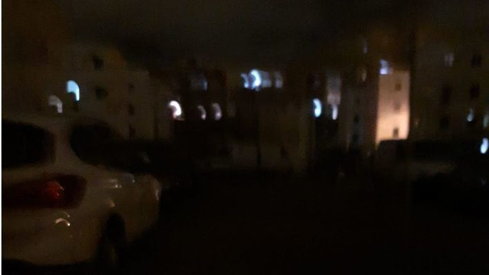 Conectan la calefacción de un coche al alumbrado público y dejan sin luz a los vecinos de Camp Redó