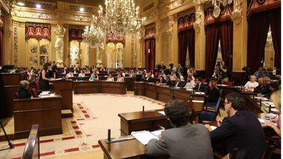 Vox ofrece al PP sus votos en el Parlament para que presente una moción de censura contra Armengol