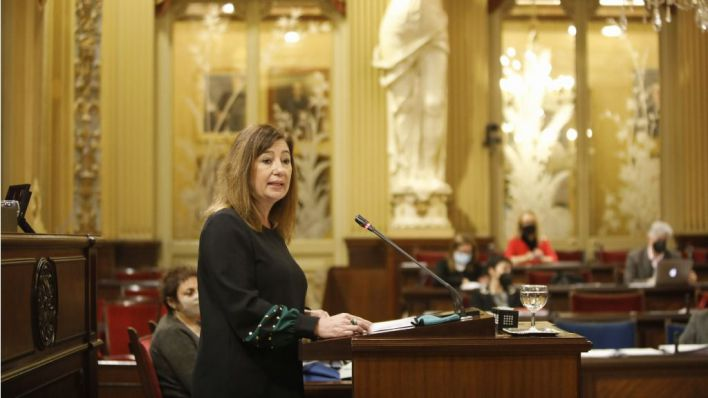 Armengol dice que Baleares puede administrar 11.500 vacunas al día 'pero no hay dosis'