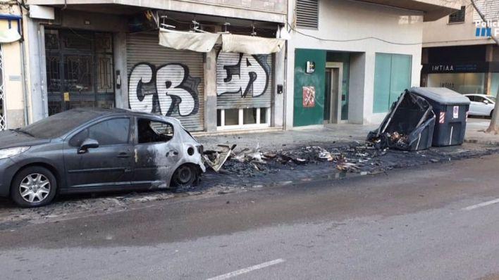 Cinco años de prisión por incendiar tres contenedores y un coche en General Riera