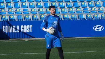 El portero René Román ya entrena con el Atlético Baleares tras el despido fulminante de Juan Carlos