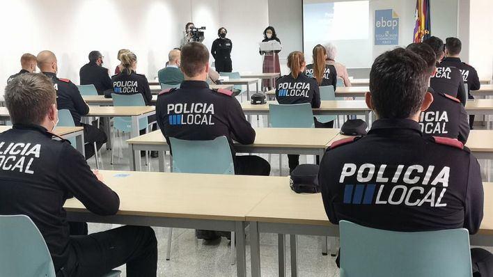 Concluye el curso de policías locales con siete agentes destinados a pueblos de Mallorca