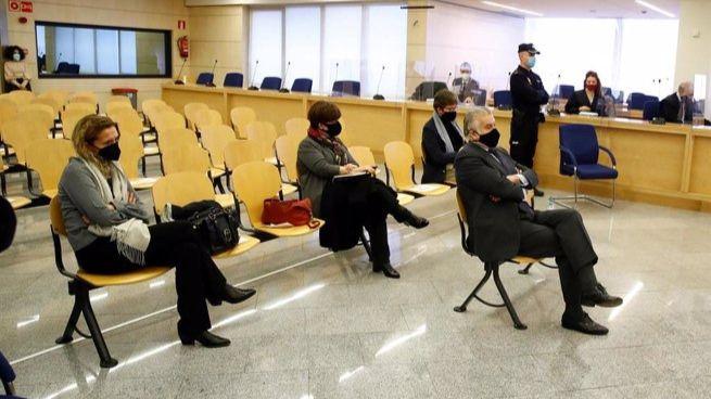 Arranca el juicio por la caja 'B', del PP donde Anticorrupción pide cinco años para Bárcenas