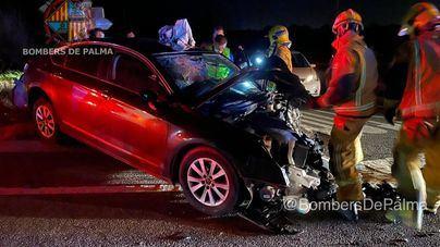 Dos conductores heridos en una colisión frontal en la Carretera Vella de Sineu