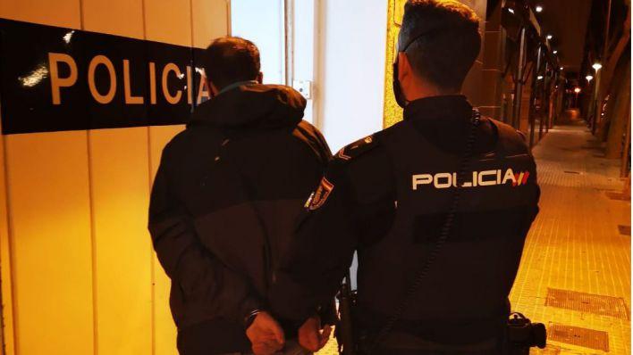 Un detenido con antecedentes por nueve robos en locales de Son Gotleu y Plaza de Toros