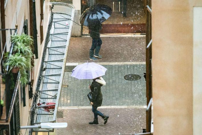 Cielos cubiertos con chubascos y tormentas en Baleares