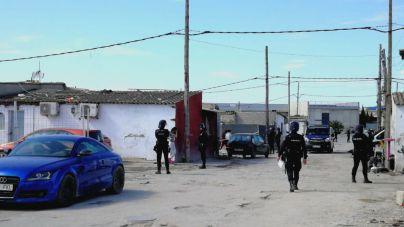 Fiscalía pide un total de 75 años de cárcel para 15 acusados de traficar con droga en Son Banya
