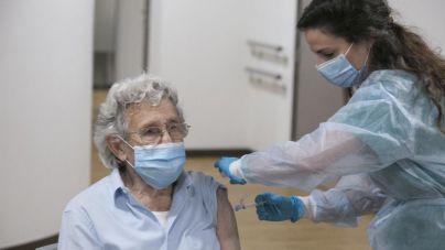 La vacuna blinda las residencias ante el coronavirus: 'Son los espacios más seguros'