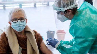 La vacuna reduce los contagios en residencias de Mallorca a 19 casos