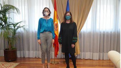Armengol ofrece a Maroto que Baleares acoja la fase piloto del pasaporte de vacunación