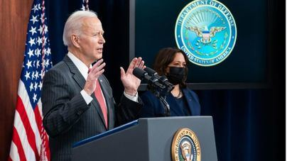 Homenaje de Biden a las víctimas de la Covid el día en que Estados Unidos supera el medio millón de muertes