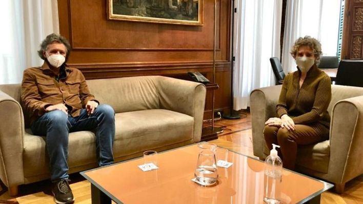Miquel Munar expresa a Aina Calvo la necesidad de vacunar 'para reactivar la economía'