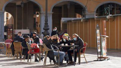 Permitidas las reuniones de seis personas, menos en las terrazas donde quedan limitadas a cuatro