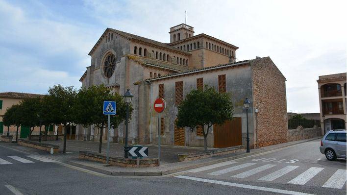 Calonge remodelará el entorno de la iglesia aumentando espacios peatonales