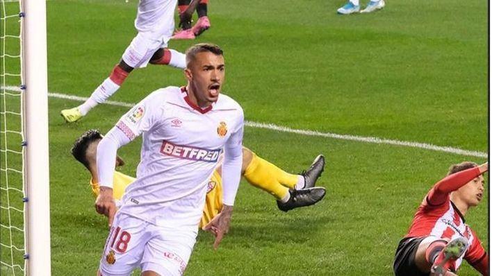 El Mallorca se mantiene en lo más alto tras ganar al Logroñés