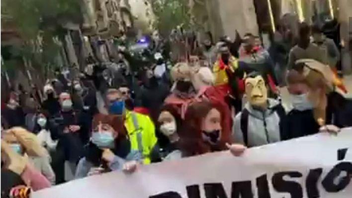 Restauradores y trabajadores se echan a la calle en Palma en la primera protesta a pie autorizada