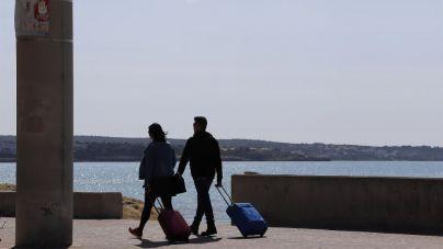 El turismo extranjero se desploma un 85,4 por ciento en Baleares