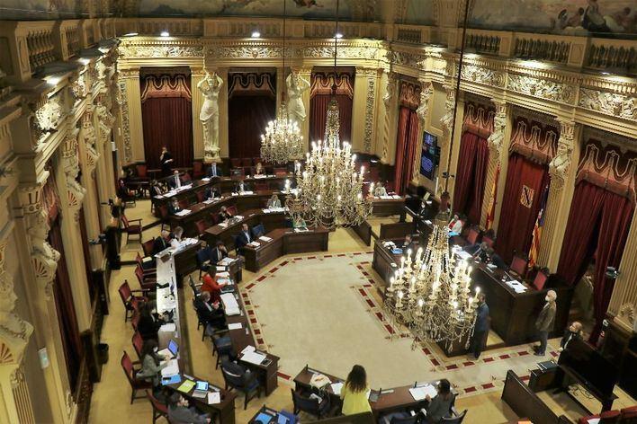 El Parlament aprueba presentar recurso de inconstitucionalidad contra los PGE