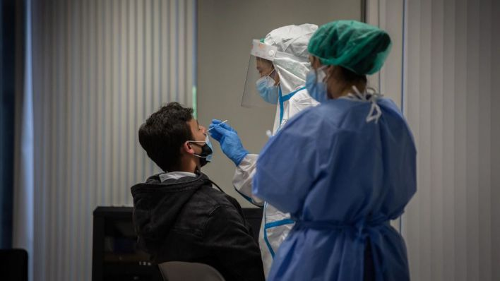 Dos muertos, 40 nuevos contagios y 8 pacientes menos en UCI