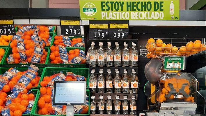 Mercadona estrena la nueva botella para zumo exprimido elaborada con plástico reciclado