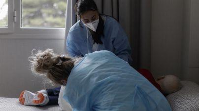 Un 7,5 por ciento de los trabajadores de residencias de Baleares se ha negado a vacunarse