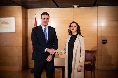 Sánchez encabeza la negociación con Cs para desbancar al PP en Madrid y Castilla y León