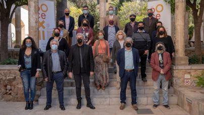 Doce artistas, doce obras, doce noticias: cultura e información en el año de la pandemia