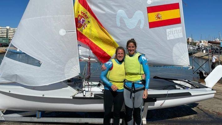 Silvia Más (CNA) y Patricia Cantero (RCNGC), se alzan con el campeonato del Mundo en 470