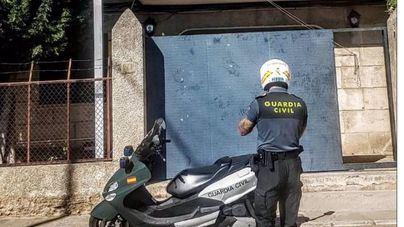 Tres menores causan daños al saltar sobre vehículos estacionados en Alaró