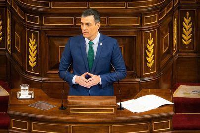 Sánchez y Casado inician la precampaña electoral de Madrid con un duro enfrentamiento en el Congreso