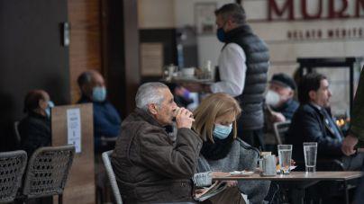 Sólo uno de cada cuatro encuestados ha aumentado su vida social desde la reapertura de terrazas
