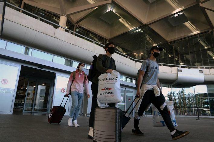Vidal exige al Estado que el control de PCR a turistas internacionales deje de ser aleatorio