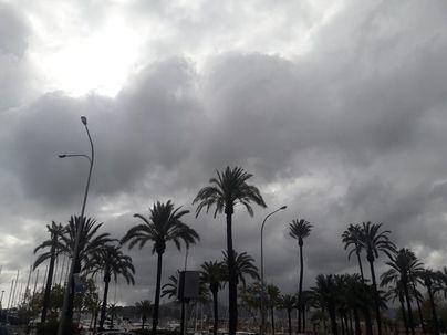 Intervalos nubosos, chubascos dispersos y temperaturas en ascenso en Baleares