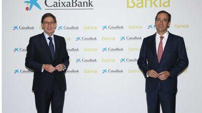 Bankia y CaixaBank ultiman su fusión, que esperan consumar este próximo viernes