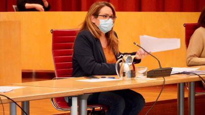La presidenta del Consell de Menorca defiende que se potencie el turismo entre islas esta Semana Santa