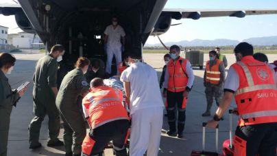 Trasladan de urgencia a Barcelona a un bebé con parada respiratoria