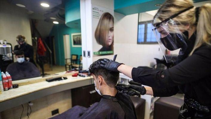 El Congreso aprueba rebajar el IVA de peluquerías y centros de estética al 10 por ciento