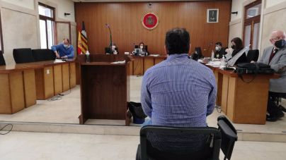 El condenado por abusar de su sobrina no entrará en prisión a cambio de no delinquir en cuatro años y hacer un curso