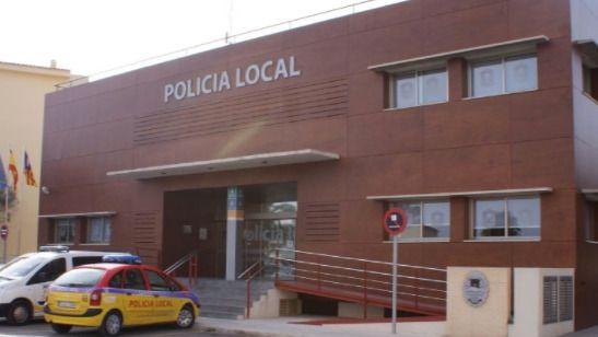 A juicio un policía de Son Servera y empleadas de una agencia por una trama de certificados de residencia falsos