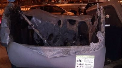 Dos menores detenidos por una oleada de incendios de contenedores en Palma