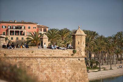 Cielo poco nuboso y ascenso de temperaturas hoy en Baleares