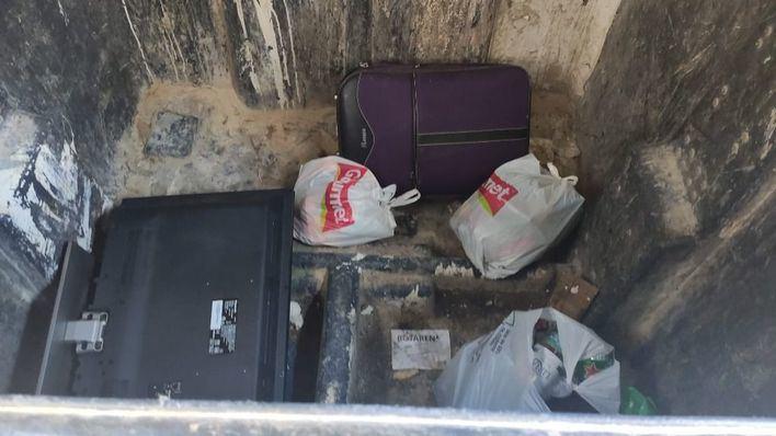 Un vídeo muestra cómo Emaya incumple su normativa sobre reciclaje de residuos