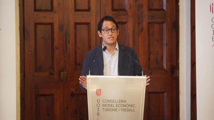 """Negueruela pide a los grupos políticos """"responsabilidad"""" frente a la reactivación del turismo"""