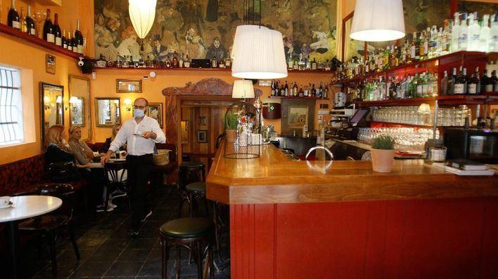 Arema lleva al Govern ante la Justicia por su decisión de cerrar el interior de los bares
