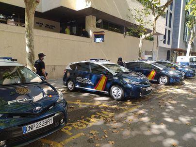 Detenido en Palma por romper las lunas de varios coches utilizando un carrito de bebé