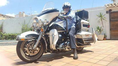 76 años, 19 operaciones y un proyecto de miles de kilómetros en moto para reivindicar a Fray Junípero