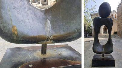 Cort limpiará la escultura de Miró en s'Hort del Rei tras aceptar una propuesta del PP