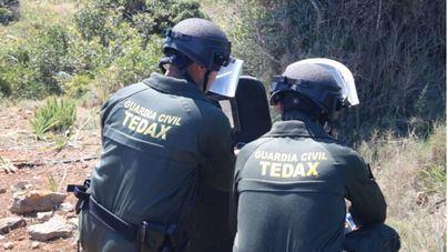 La Guardia Civil destruye un proyectil de la Guerra Civil localizado en el Puig de l'Ofre