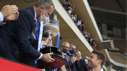 La Real alza la Copa del Rey 34 años después